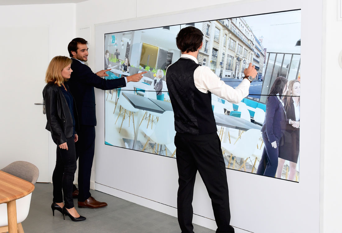 multitouch-wall-la-poste-immo
