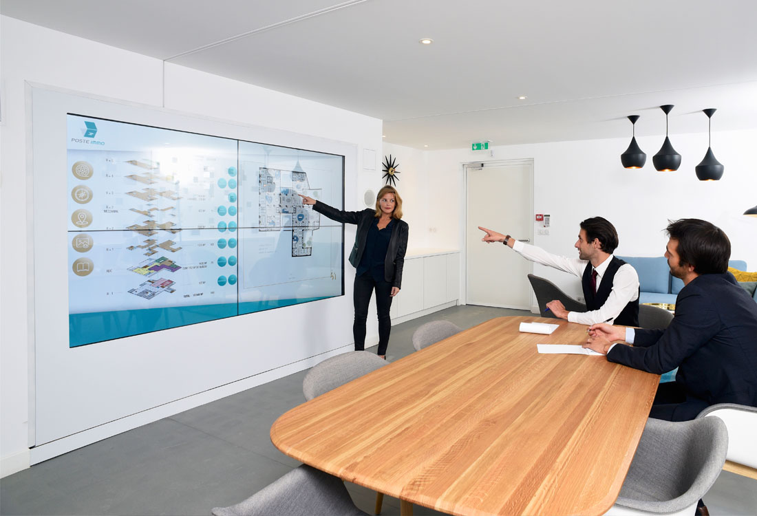 multitouch-wall-la-poste-immo-5
