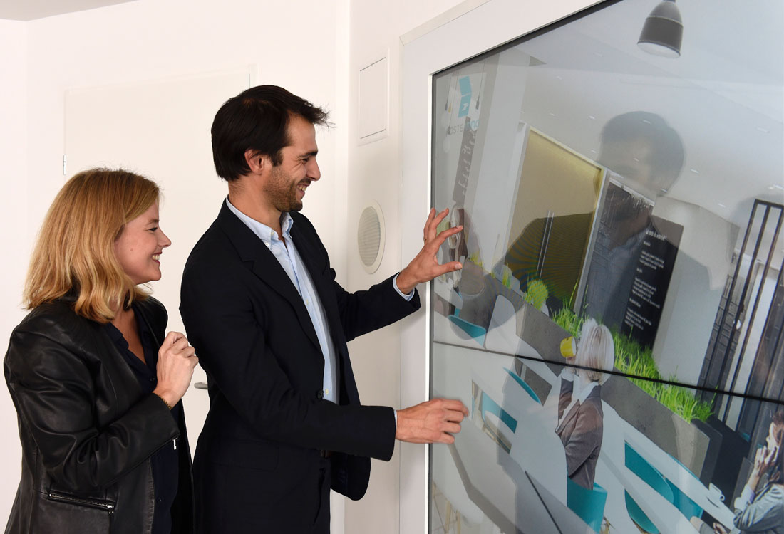 multitouch-wall-la-poste-immo-4