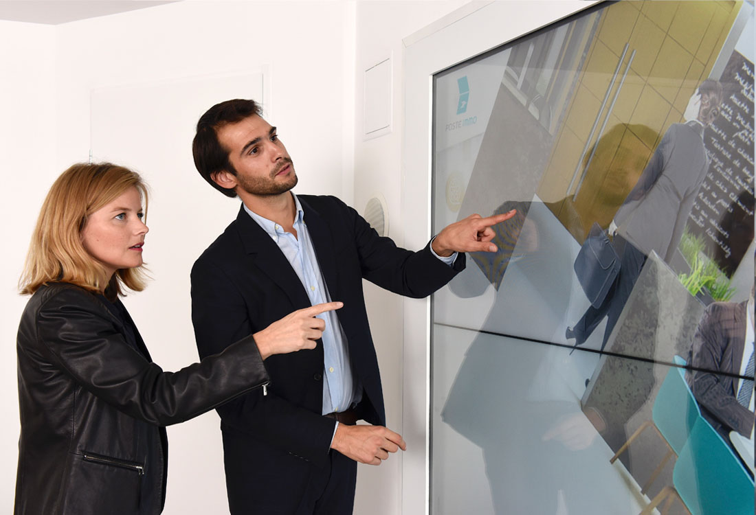 multitouch-wall-la-poste-immo-3